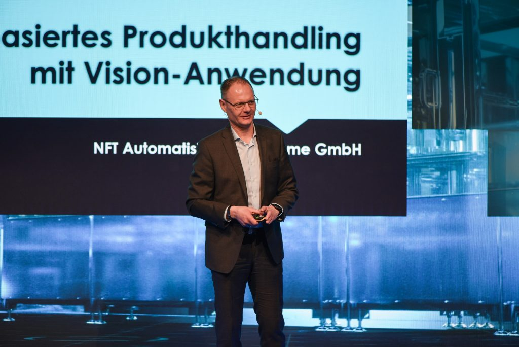 Frank Haacks hält einen Vortrag bei den Automation Days